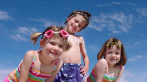 7 Amazingly Messy Outdoor Activities for Kids